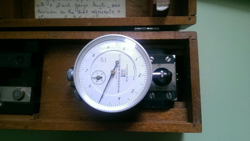 DEMAC strain gauge