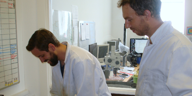 Petrolab supporting research